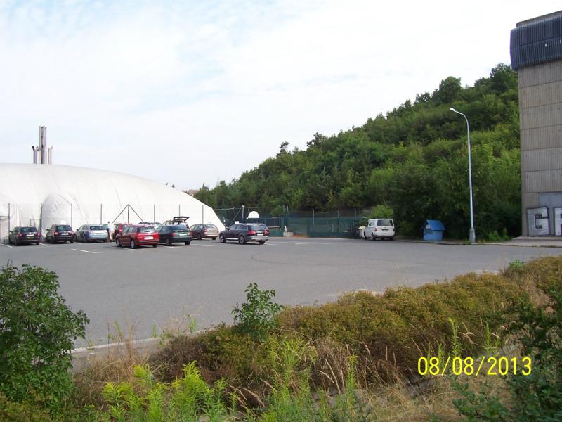 Parkoviště k nafukovací hale
