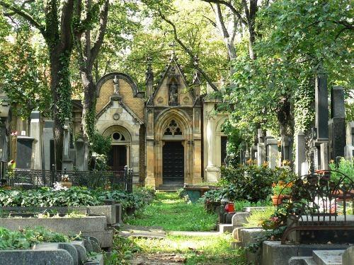 Nádherné hrobky (zdroj: Smíchov.blog.cz)