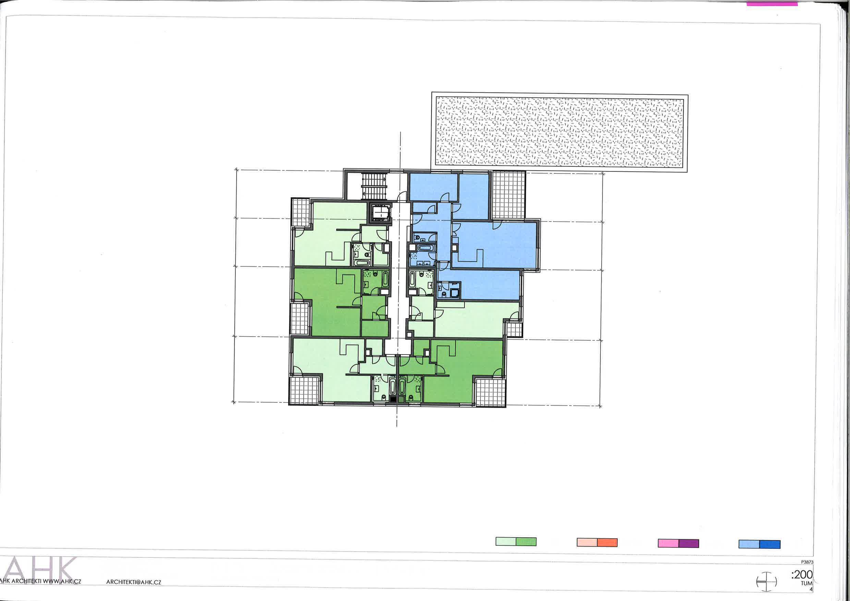Foto dokumentace projektu - podlaží s byty s naznačenými příčkami pro dostavění 1+KK na 2+KK
