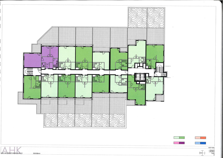 Foto dokumentace projektu - podlaží s byty s naznačenými příčkami pro dostavění 1+KK na 2+KK i s dvěma dveřmi