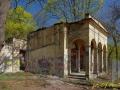 Zdevastovaná bývalá restaurace U jezírek (autor: J. Pommer)