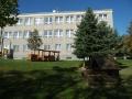 Na zahradě mateřské školy (zdroj: MŠPeroutkova.cz)