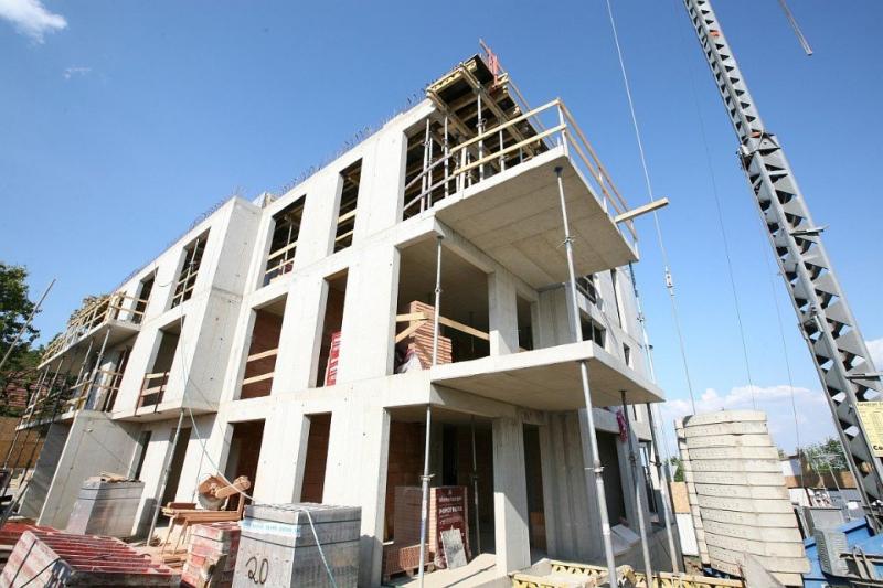 Stavba v plném proudu (zdroj: Homesweethome.cz)