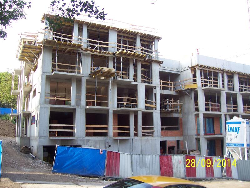 Dolní stavba už se zhruba rýsuje (autor: Drahomír Bárta, 28. 9. 2014)