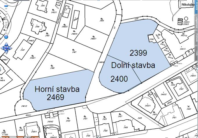 Ortofoto z Katastru nemovitostí - na zvýrazněné parcele 2469 má stát horní budova B, na zvýrazněných parcelách 2400 a 2399 dolní budova A