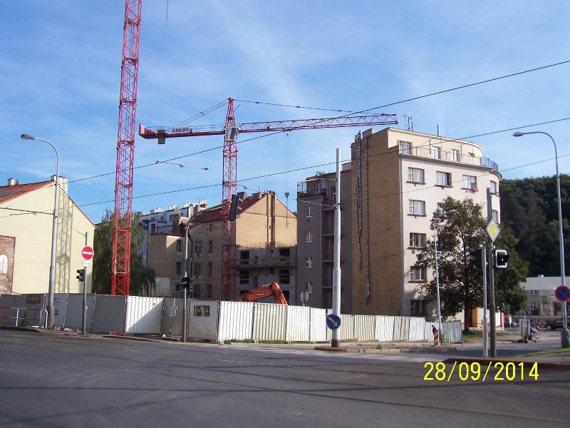 Na místě památkových domů už se staví nové (autor: Drahomír Bárta, 28. 9. 2014)