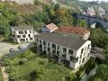 Předimenzované bytové domy Semmering zastiňují krásné původní domy (zdroj: JRD.cz)