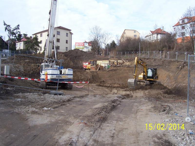 Stavba byla zahájena. Pohled zdola (autor: Drahomír Bárta, 15. 2. 2014)
