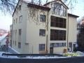 Rezidence Na Popelce těsně před dokončením. Odpoledne je už v hlubokém stínu (autor: Drahomír Bárta 11. 2. 2012)
