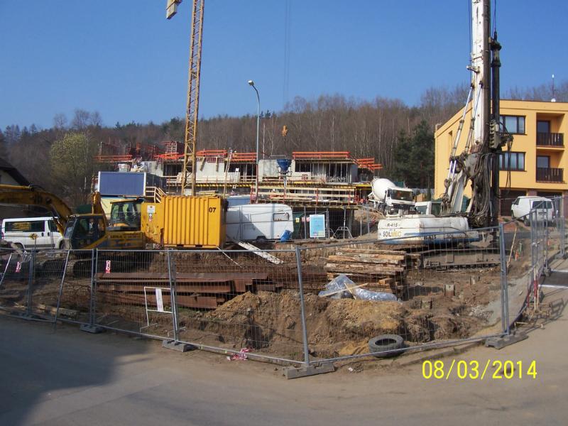 Výstavba na okraji VKP Spiritka (autor: Drahomír Bárta, 8. 3. 2014)