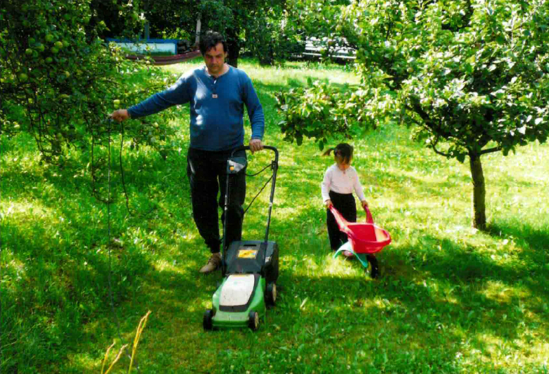 Jak tu dřív bývalo krásně - obyvatelé se o zahradu pilně starali