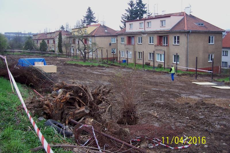 Stavba zahájena (autor: Drahomír Bárta 11. 4. 2016)
