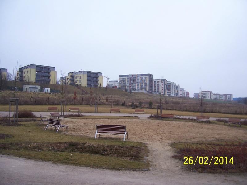 """Park """"Na Prameništi"""", hned za ním by mělo stát zvířecí krematorium (autor: Drahomír Bárta, 26. 2. 2014)"""
